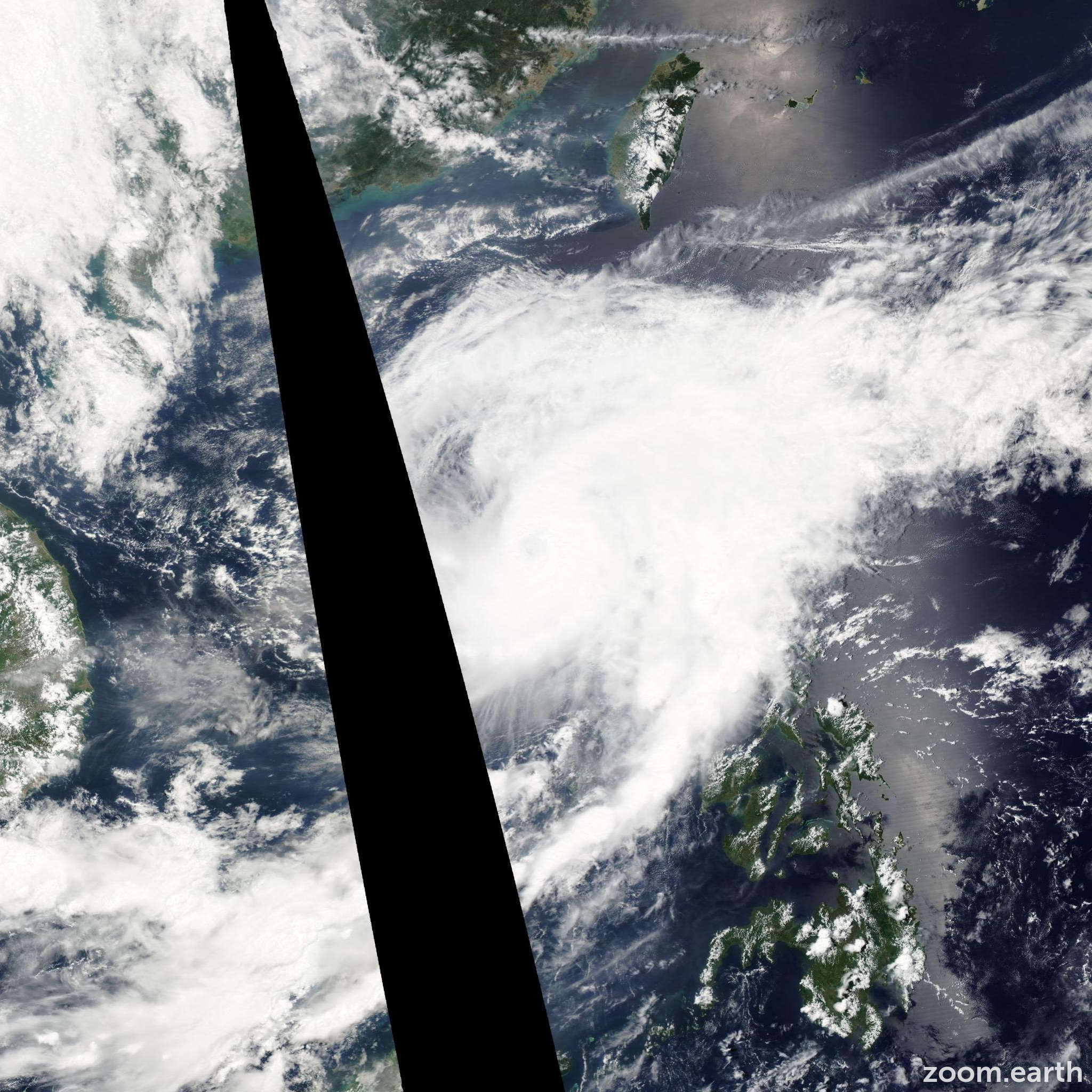 Satellite image of Typhoon Chan-Hom 2009