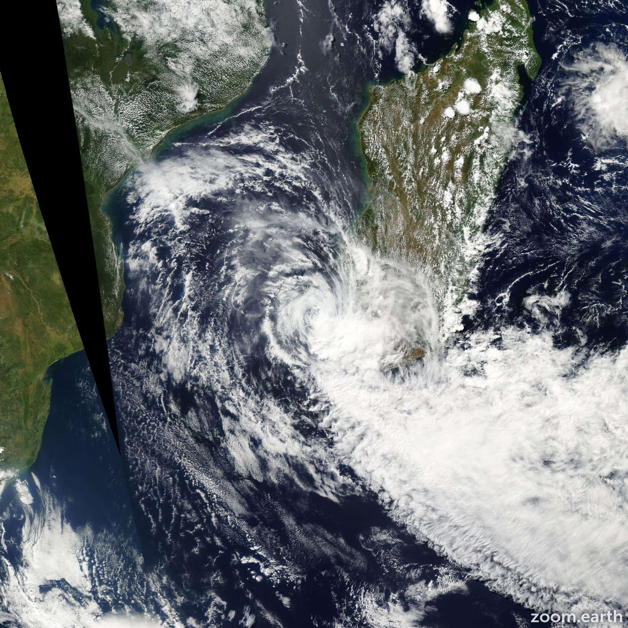 Satellite image of Storm Izilda 2009