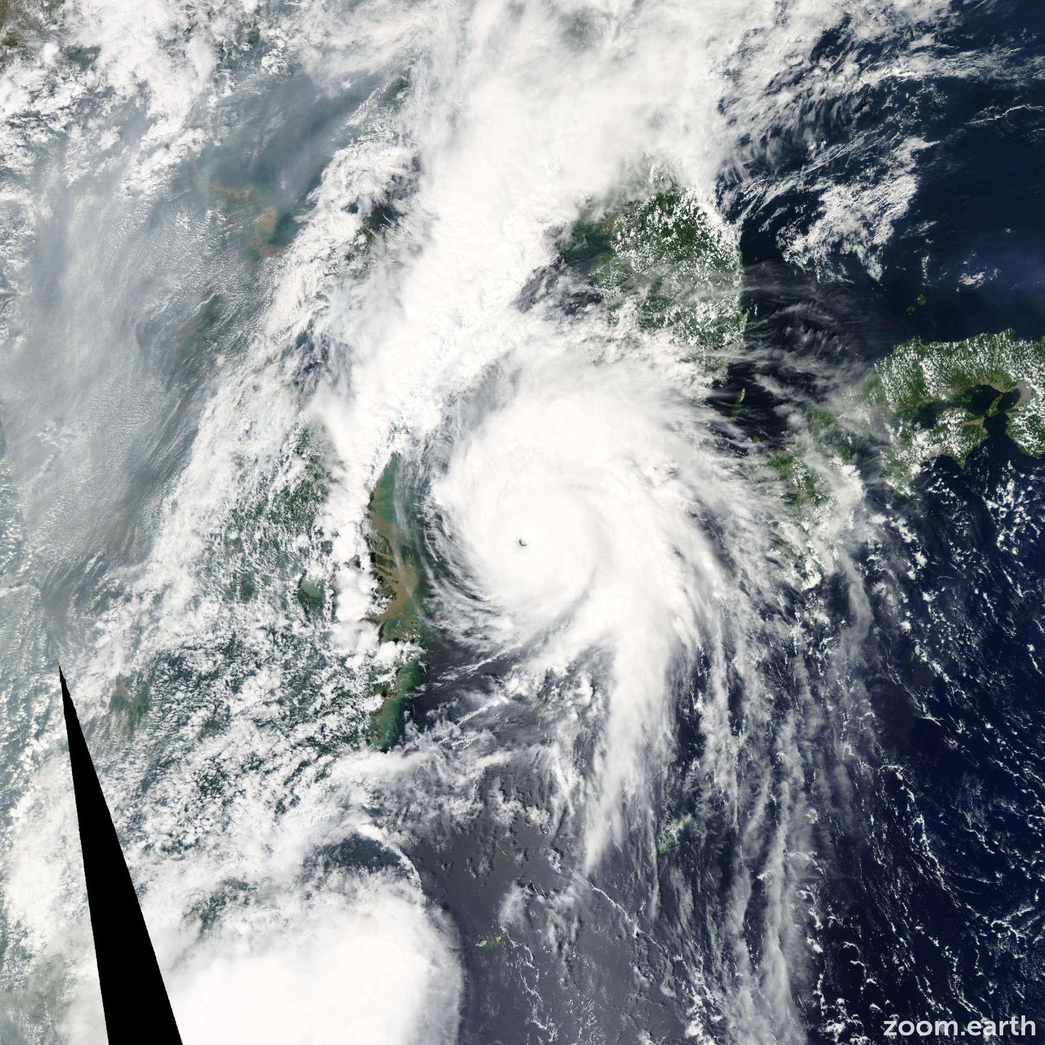 Satellite image of Typhoon Kompasu 2010