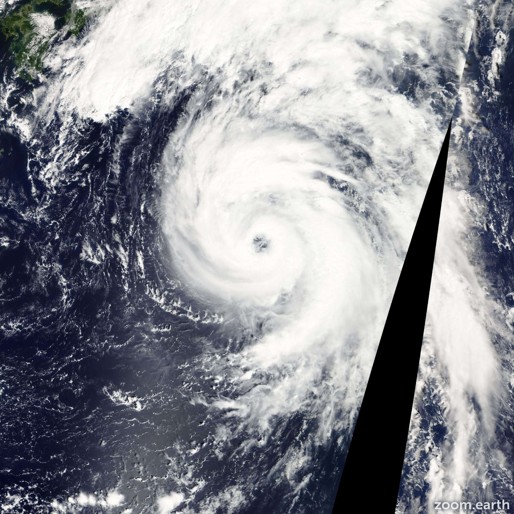 Satellite image of Typhoon Malakas 2010