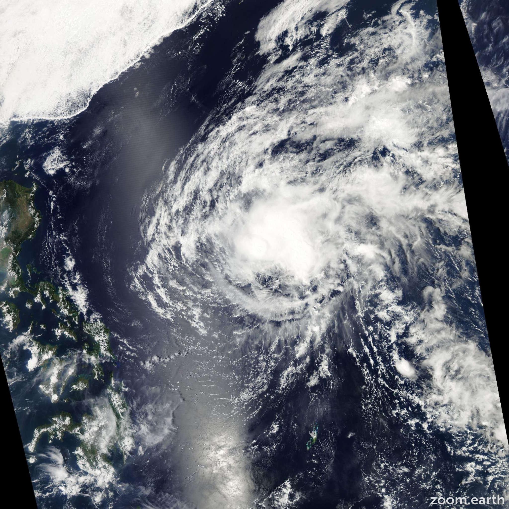 Satellite image of Storm Omais 2010