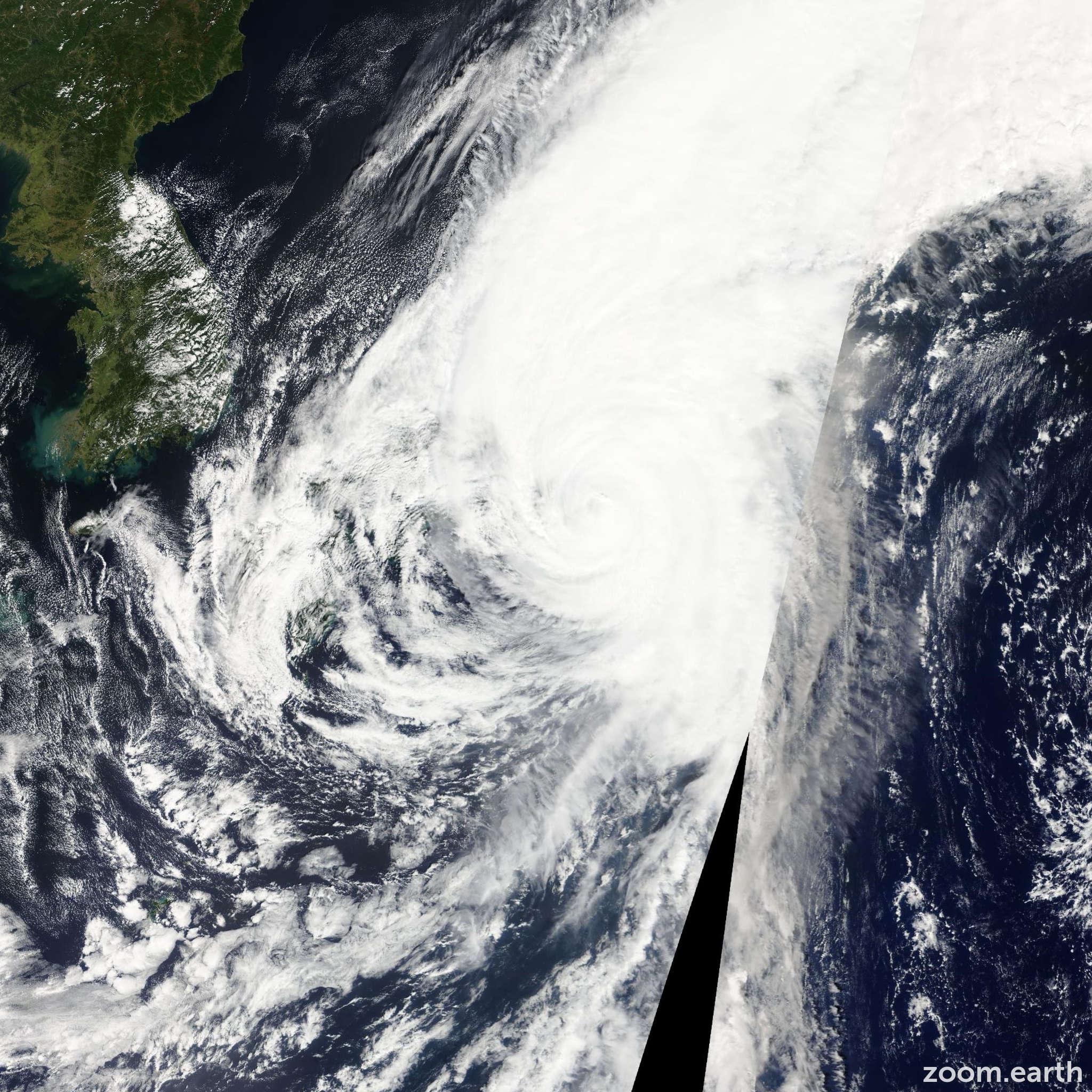 Satellite image of Typhoon Roke 2011