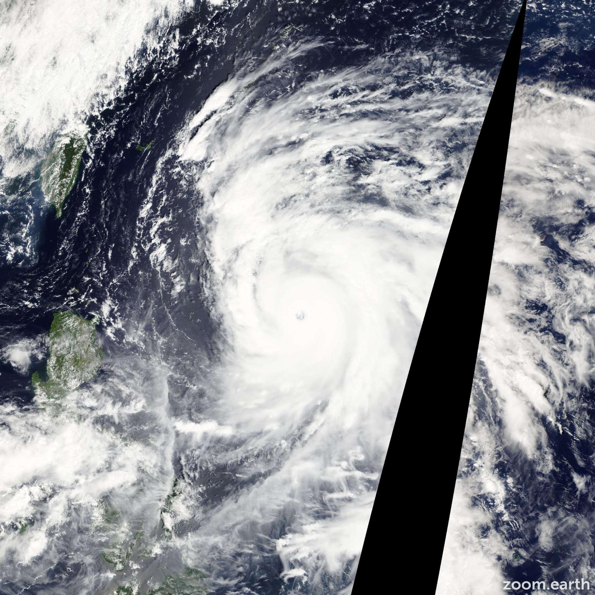 Satellite image of Typhoon Sanba 2012