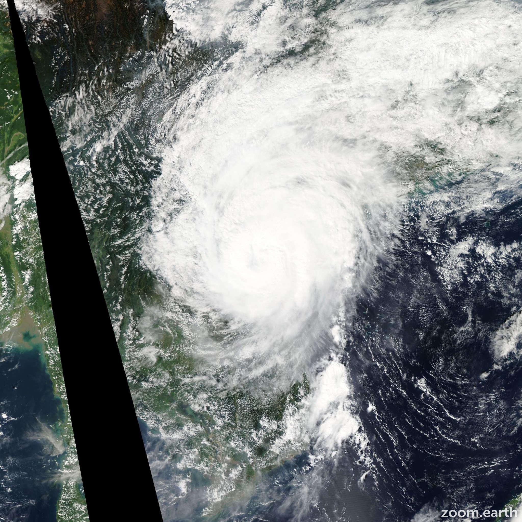Satellite image of Typhoon Son-Tinh 2012