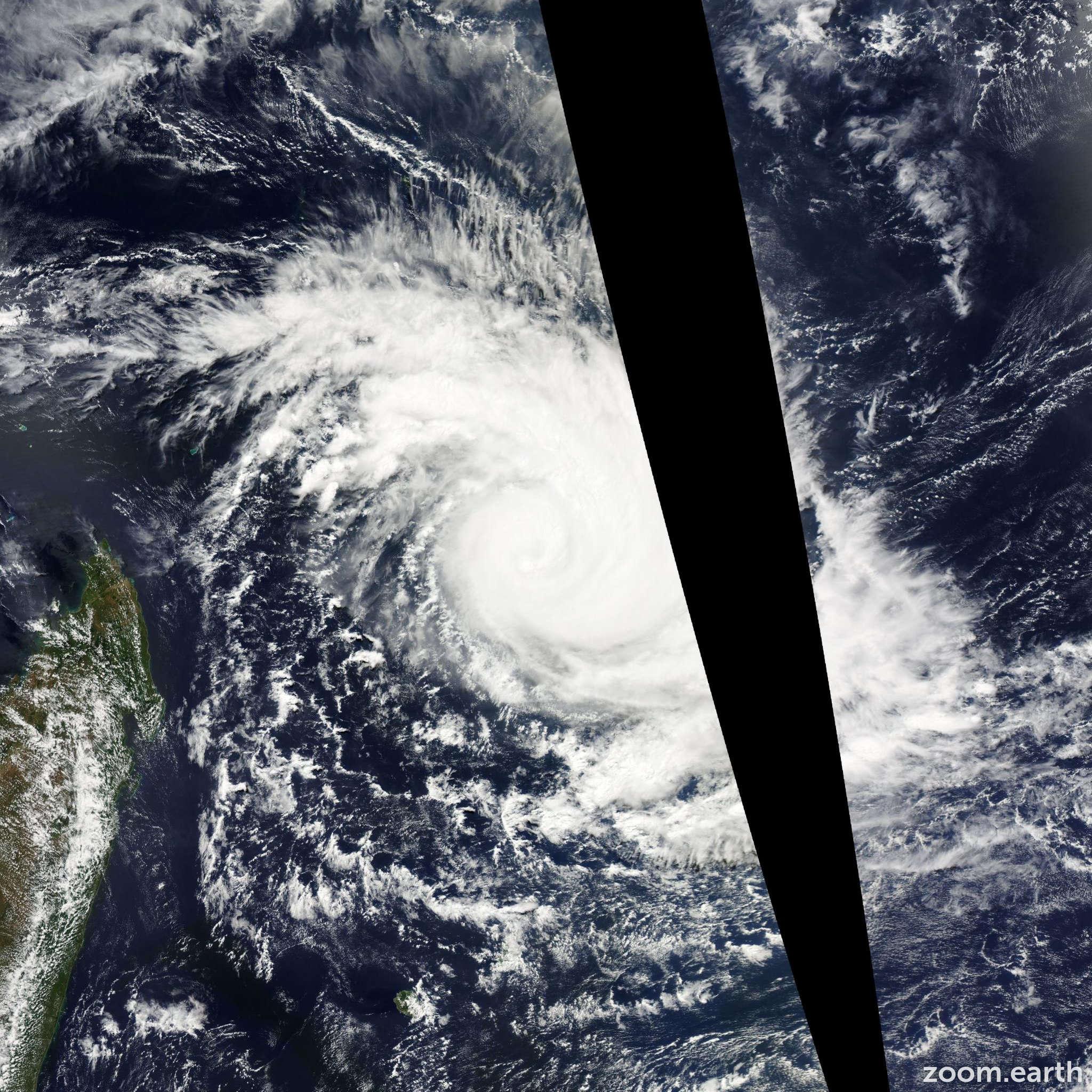 Satellite image of Cyclone Imelda 2013