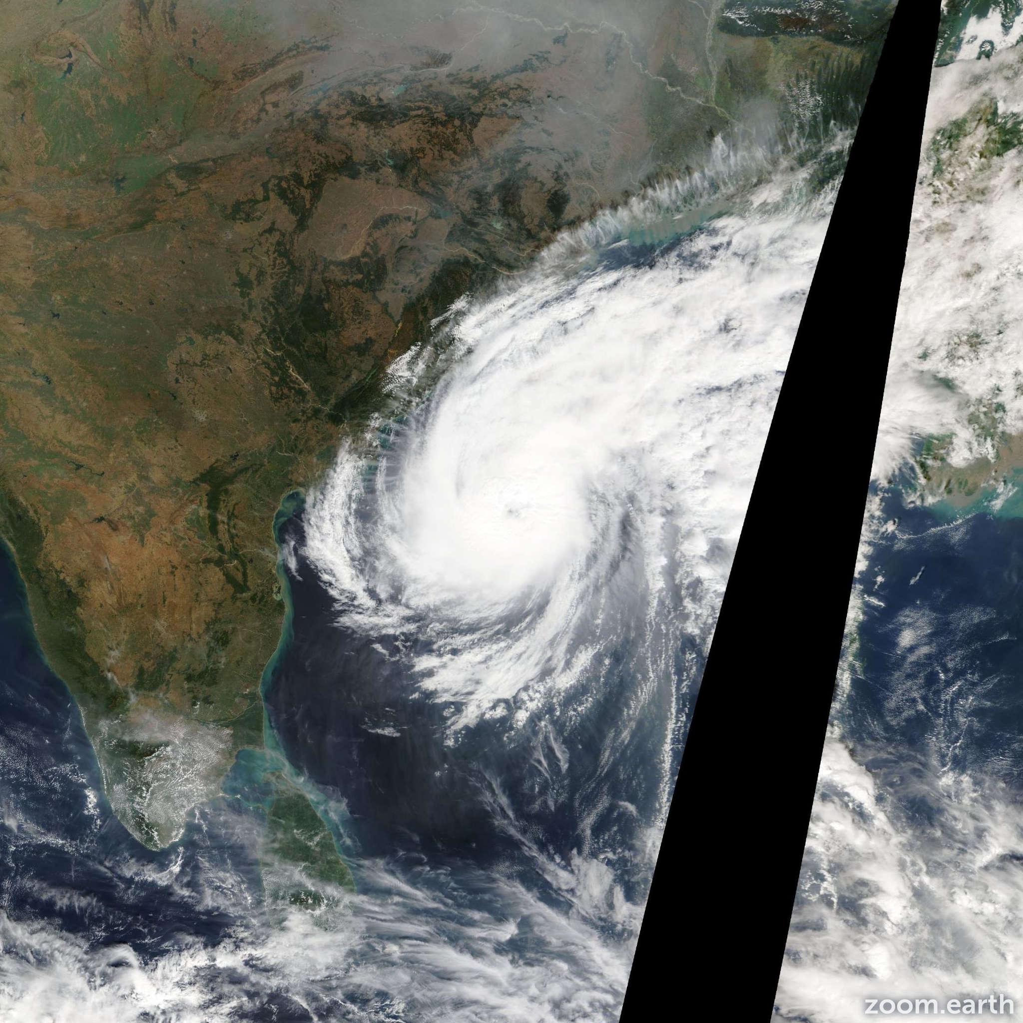 Satellite image of Cyclone Madi 2013