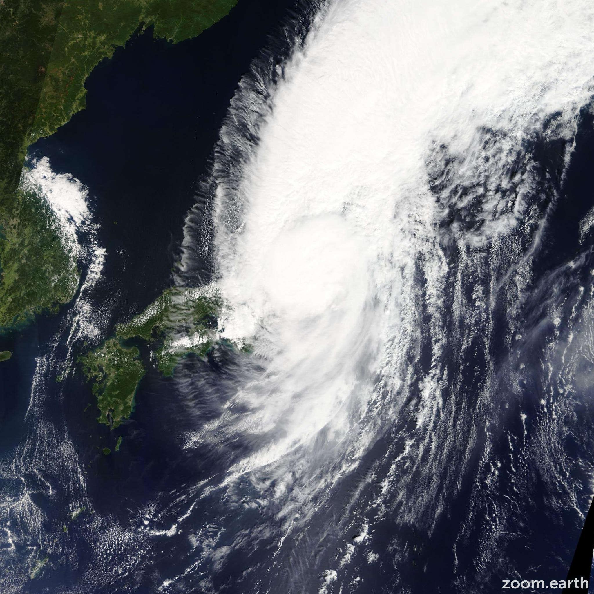 Satellite image of Storm Man-Yi 2013