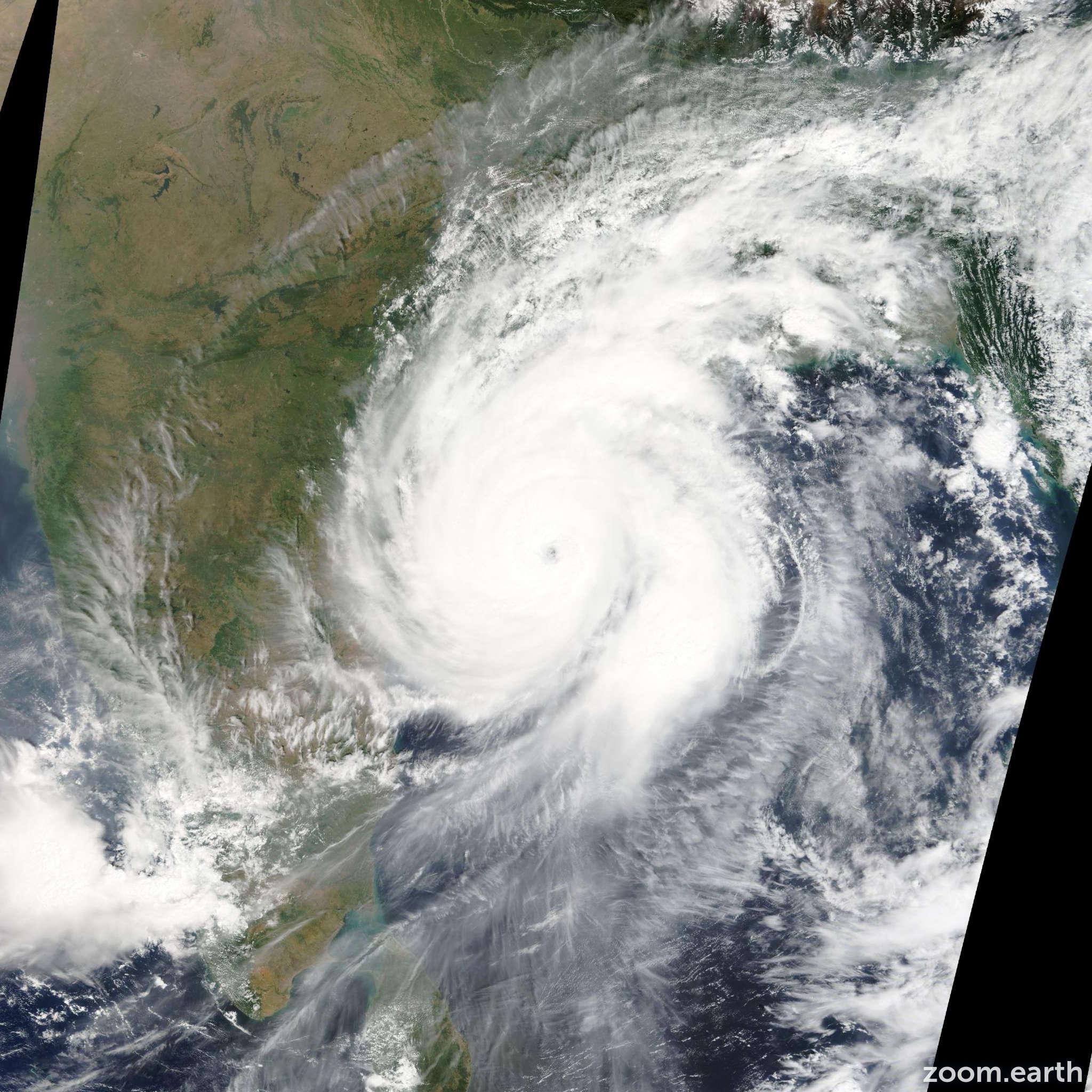 Satellite image of Cyclone Hudhud 2014
