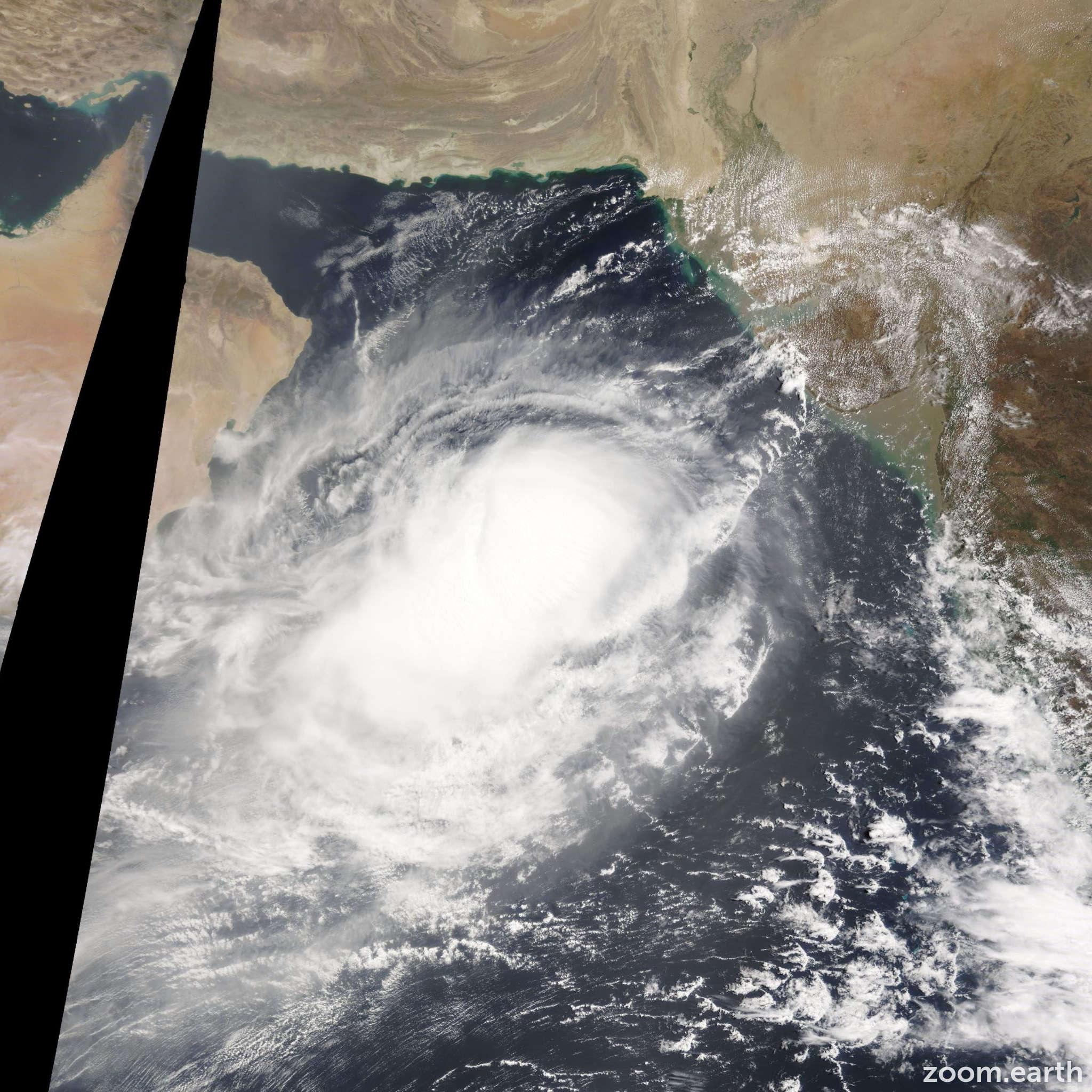Satellite image of Cyclone Nanauk 2014