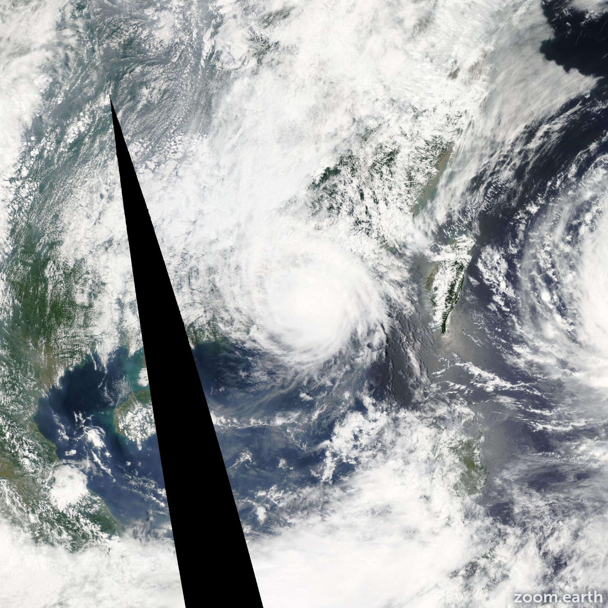 Satellite image of Typhoon Linfa 2015
