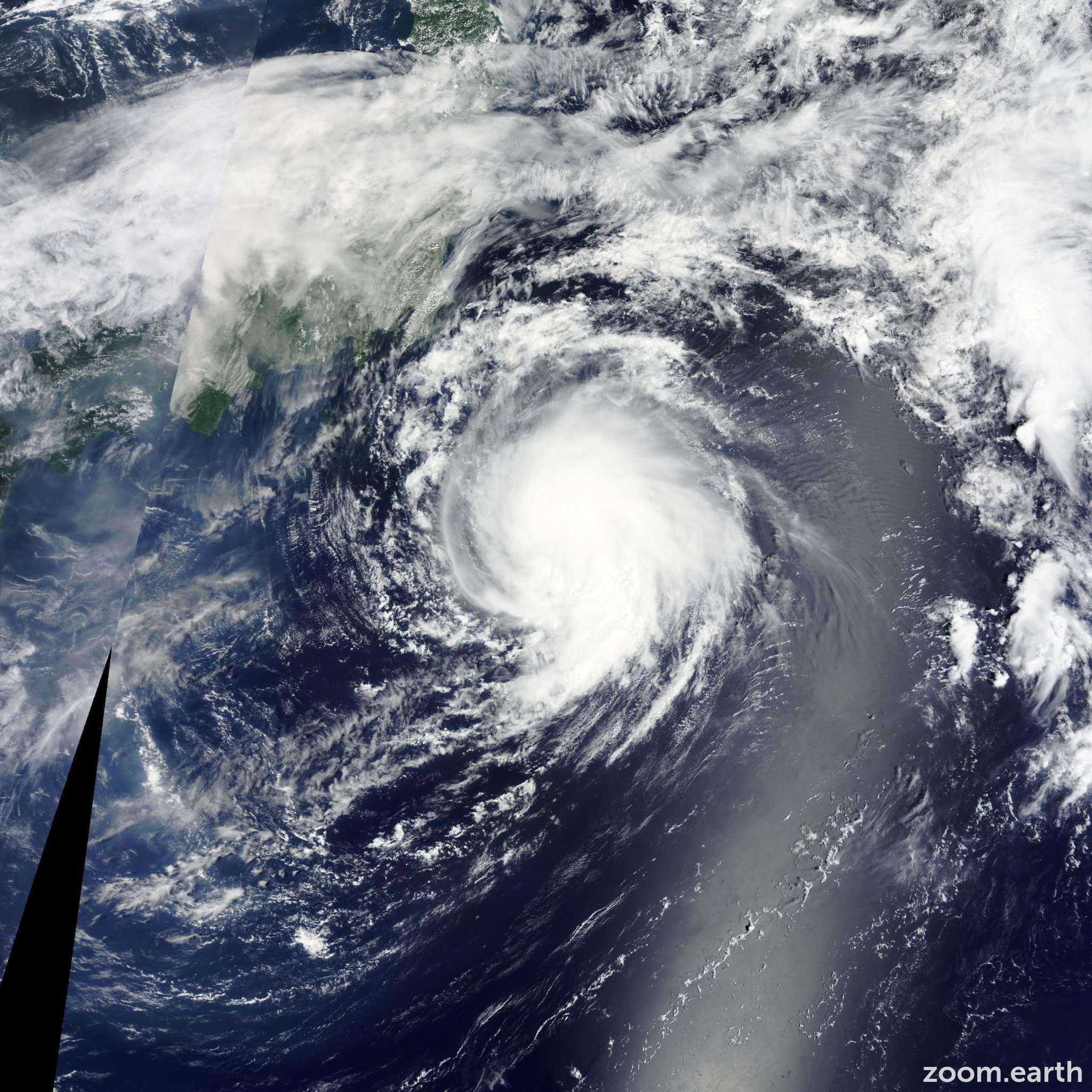 Satellite image of Storm Molave 2015
