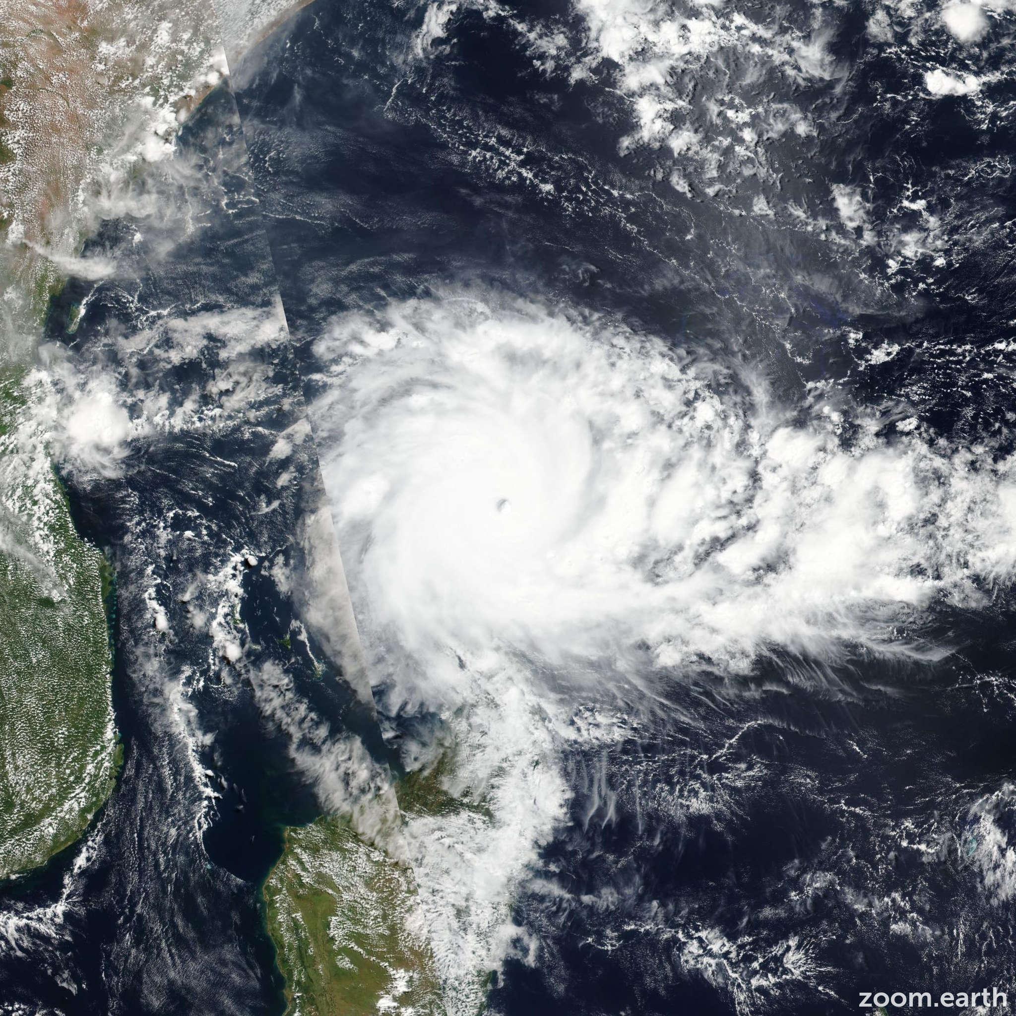 Satellite image of Cyclone Fantala 2016