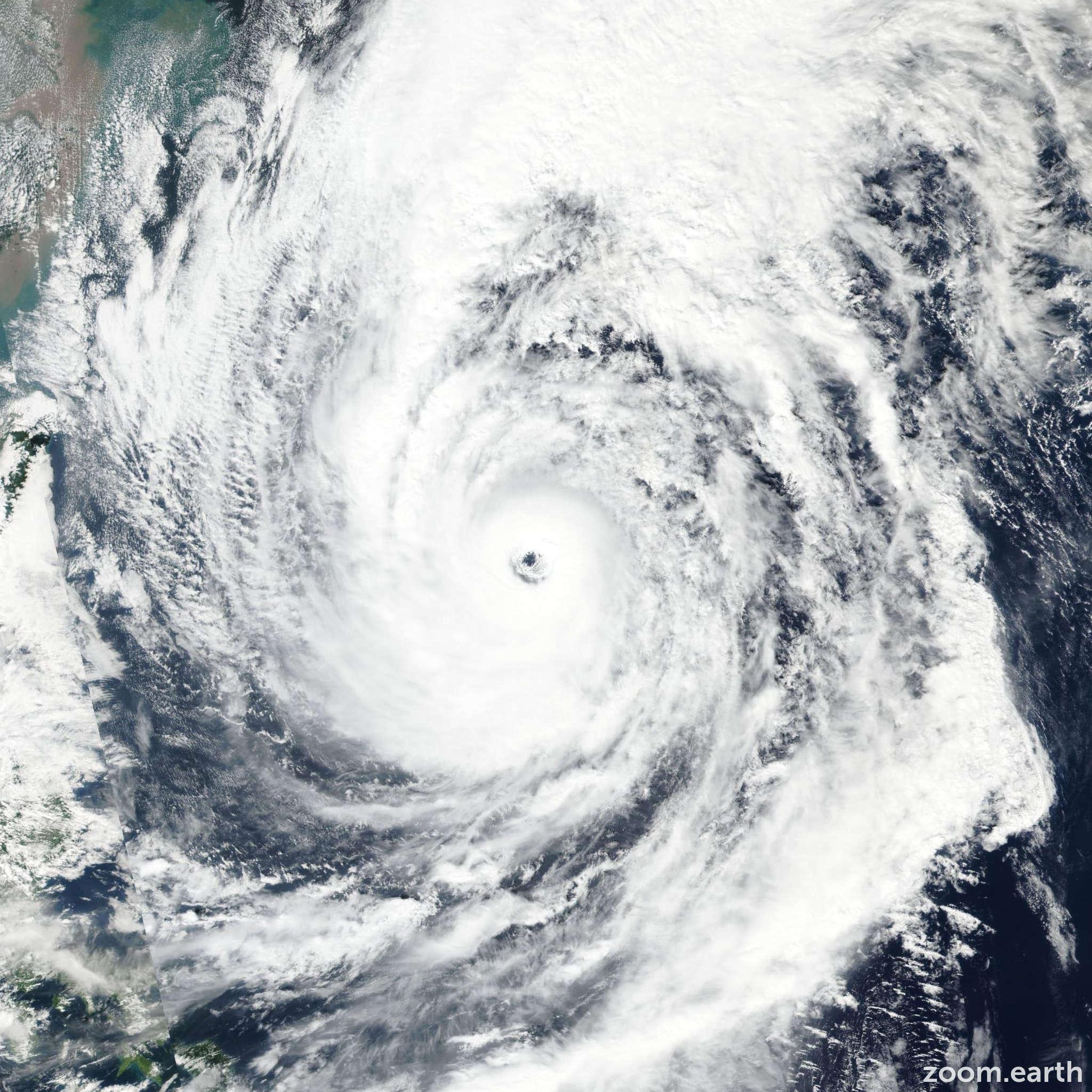 Satellite image of Typhoon Lan (Paolo) 2017
