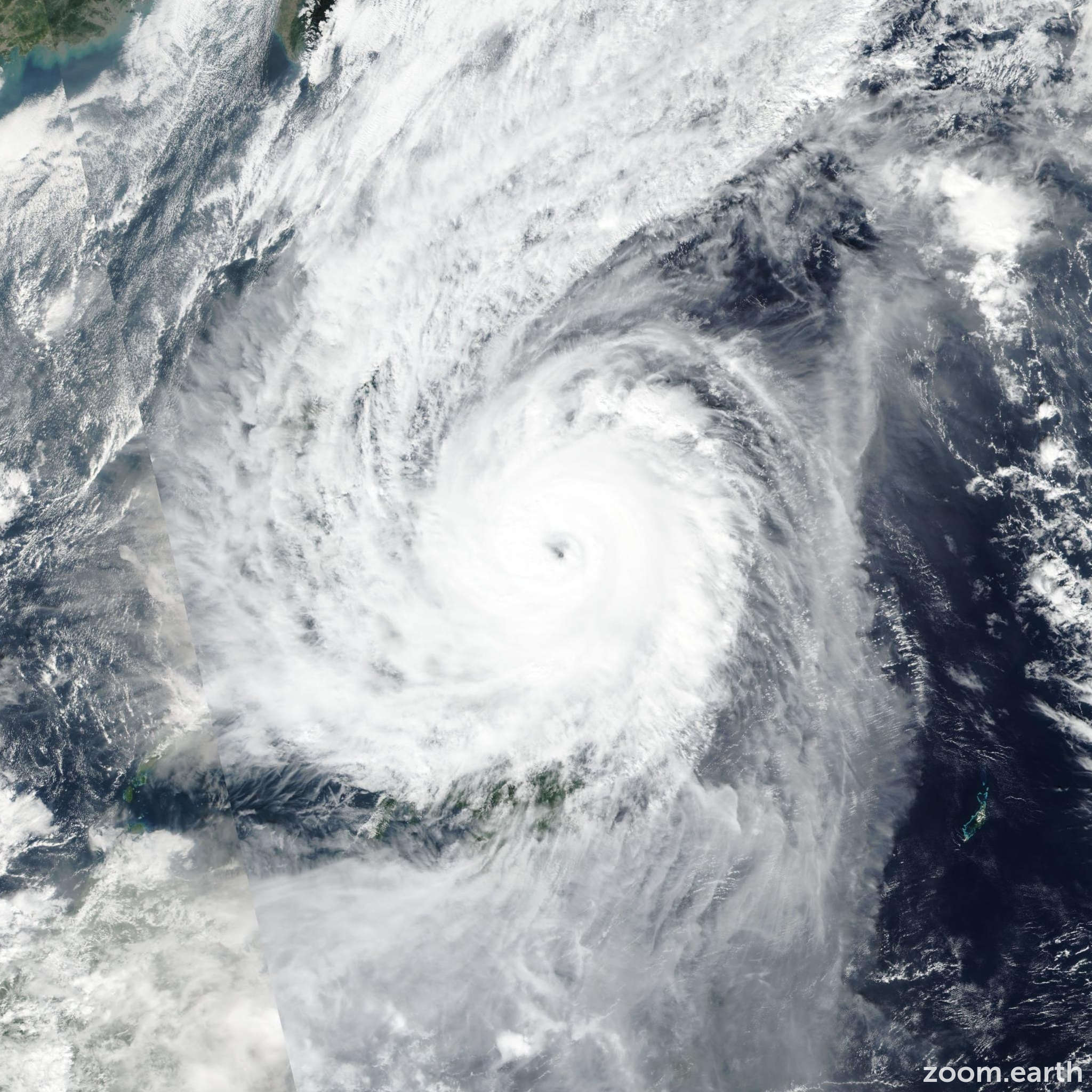 Satellite image of Typhoon Kammuri (Tisoy) 2019