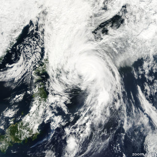 Satellite image of Typhoon Sonamu 2000