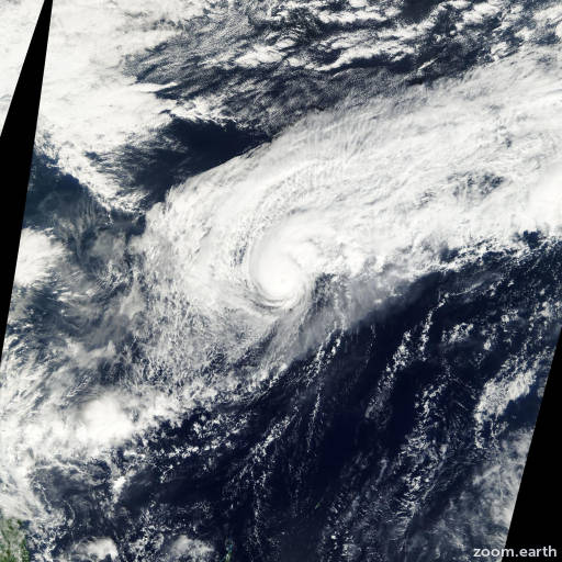 Satellite image of Typhoon Soulik 2000