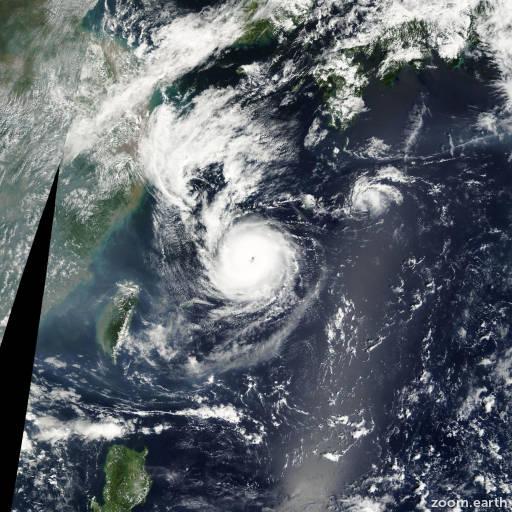 Satellite image of Typhoon Nari 2001