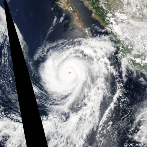 Satellite image of Hurricane Hernan 2002