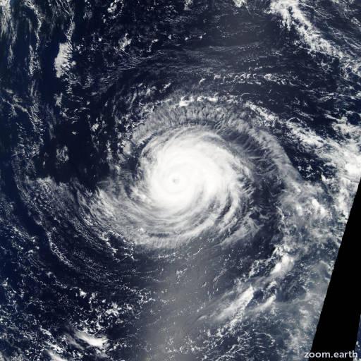 Satellite image of Typhoon Sinlaku 2002