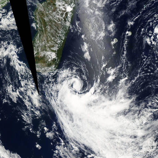 Satellite image of Storm Felapi 2005