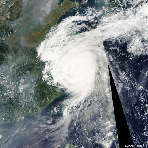 Satellite image of Typhoon Khanun 2005