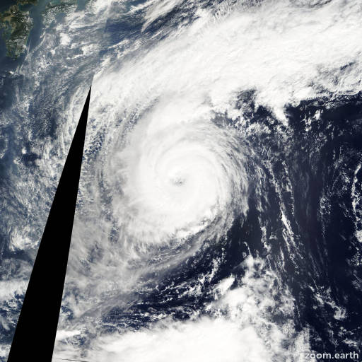 Satellite image of Typhoon Soulik 2006